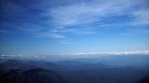 Alta via dei monti liguri, veduta della Val di Vara e del golfo della Spezia dalla vetta del Monte Gottero (2009) (foto Giorgio Pagano)