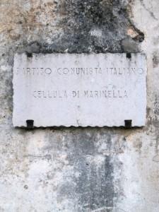 Sarzana, Marinella, insegna della cellula del Pci, partito sciolto nel 1991   (2011) (foto Giorgio Pagano)