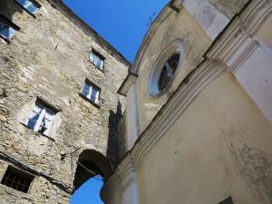 """Beverino Castello, la Chiesa di Santa Croce - Mostra fotografica """"Beverino in uno scatto"""", Centro polivalente di Beverino, 3-11 maggio 2014 (foto Giorgio Pagano)"""