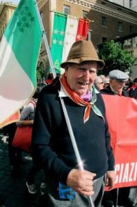 """Giuseppe Cargioli """"Sgancia"""", Roma, manifestazione """"La via maestra"""", 12 ottobre 2013 (foto Giorgio Pagano)"""
