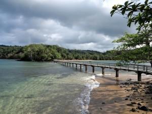 Principe, il ponte pedonale che collega l'Ilheu e la Praia Bom Bom    (2015)    (foto Giorgio Pagano)
