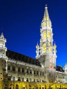 Bruxelles, Gran Place, il Municipio    (2011)    (foto Giorgio Pagano)