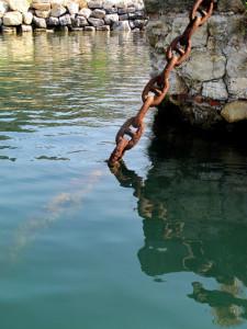 Muggiano, catena di ormeggio    (2011)    (foto Giorgio Pagano)