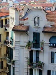 La Spezia, palazzo di Via XX Settembre 119, costruito nel 1926 su progetto dell'ingegner Gino Bacigalupi (2015) (foto Giorgio Pagano)