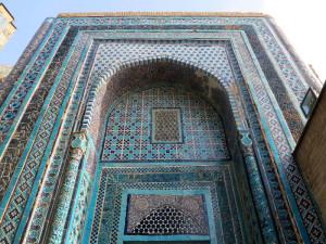 Samarcanda, uno dei mausolei dello Sha - i - Zinda    (2017)    (foto Giorgio Pagano)