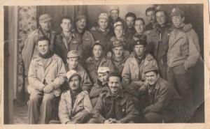 Partigiani della Brigata Centocroci: Aldo Maneschi è in alto al centro (archivio della famiglia Maneschi)