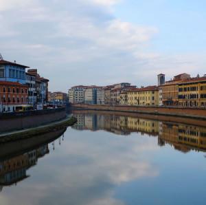 """Pisa, il Lungarno, mostra """"La forma dell'acqua"""", Lerici, Enoteca Baroni, 17-31 maggio 2018 (2015) (foto Giorgio Pagano)"""