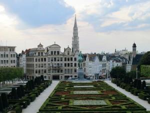 Bruxelles, Mont des Arts, i Giardini e la Bruxelles Town Hall tower (2011) (foto Giorgio Pagano)
