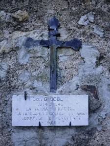 Varese Ligure, Valletti, lapide in memoria di don Giovan Battista Bobbio  (2018)  (foto Giorgio Pagano)