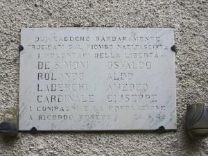 Villa di Pignone, lapide ai caduti dell'eccidio del 24 marzo 1945 (2018) (foto Giorgio Pagano)