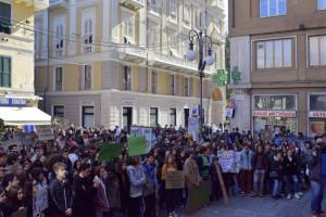 """La Spezia, piazza Mentana, manifestazione """"Friday for Future"""", 15 marzo 2019 (foto Giorgio Pagano)"""