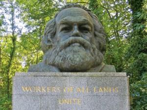Londra, Cimitero di Highgate, tomba di Karl Marx (2005) (foto Giorgio Pagano)