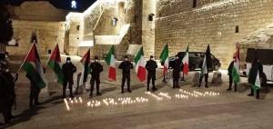 Betlemme, militanti palestinesi davanti alla Basilica della Natività (15 marzo 2020) (foto archivio Giorgio Pagano)
