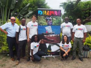 """Giorgio Pagano con la """"equipa"""" di Alisei Ong a Sao Tomé e Principe (2016) (foto archivio Giorgio Pagano)"""